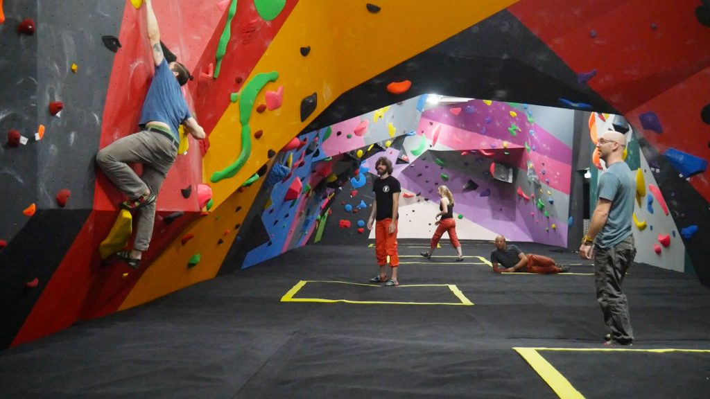 rockcity climbing - the pit - covid secure social distance climbing
